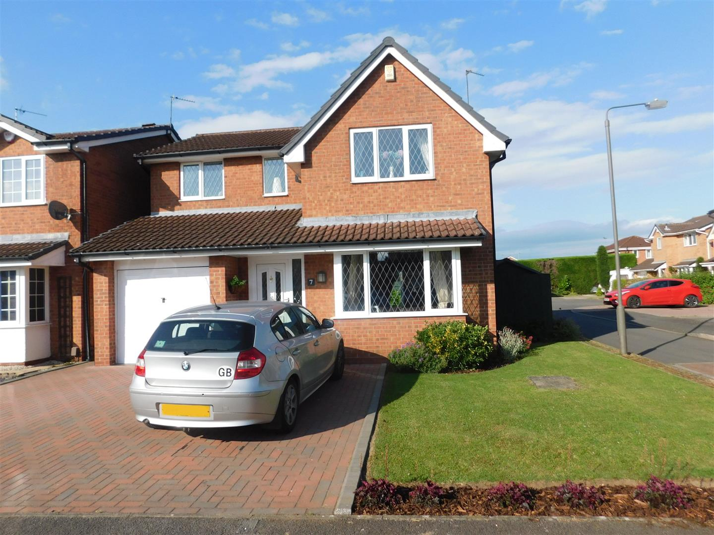 4 Bedrooms Property for sale in Naseby Drive, Long Eaton